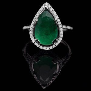 4.75 Ct Green Gemstone And Diamond Engagement Ring